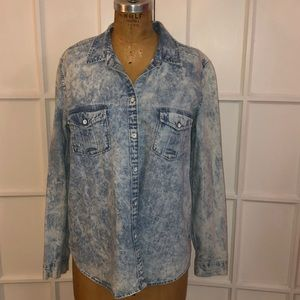GAP acid wash denim button down shirt XL